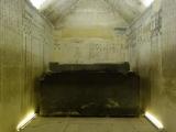Sakkara - Grabkammer mit Sarkophag