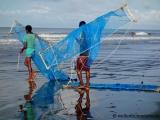 Kuakata - Fischer mit Netzen