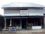 Dorf mit zweietagigen Haeusern