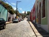 Olinda - Strasse mit bunten Hausern