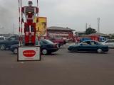 197 - Roboter reglet Verkehr in Kinshasa