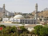 Keren - Italienischer Soldatenfriedhof und Moschee