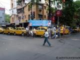 Kolkata - Taxifahrer warten auf Kundschaft