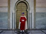 Soldat vor dem Grab Mohammed V
