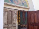 Eingang zum Hoehlenkloster