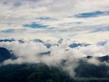 weiter gehts, Blick auf schneebedeckte Gipfel und ins Tal