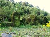 es gibt viele Ruinen