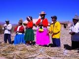 Bewohner der Uros Inseln