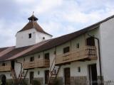 Honigburg - Wehrturm, Ringmauer und Wohnungen