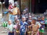 Kinder des Dorfes