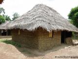 Huette aus Bambus und Lehm