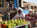 Markt in Ad Dammer - Obstverkaeufer