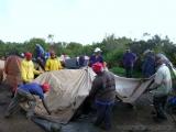 Am Morgen - die ersten Zelte werden abgebaut