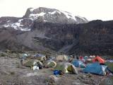 Zelte vor der Barranco Wall