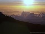 Sonnenaufgang auf dem Weg zum Uhuru Peak