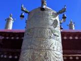 auf dem Dach des Jokhang Tempel