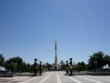 Denkmal zum 25 Jahrestag der Unabhaengigkeit Turkmenistans