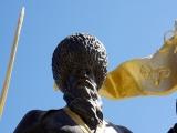 Heldenfigur am Denkmal zum 25 Jahrestag der Unabhaengigkeit Turkmenistans