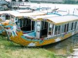 Boot zu den Grabmaelern in Hue