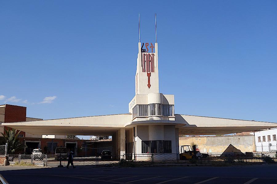 Asmara-Tankstelle-Fiat-Tagliero