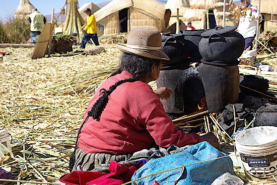 Uros-Inseln-Titicacasee-Peru