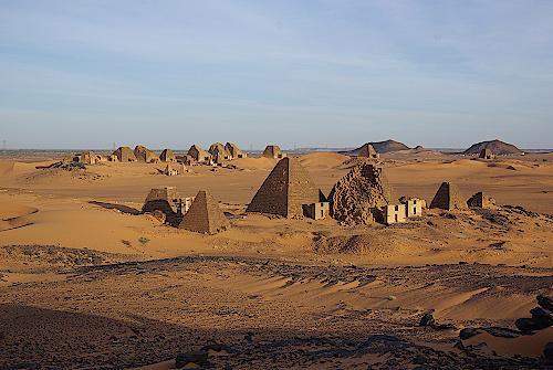 Pyramiden-von-Meroe