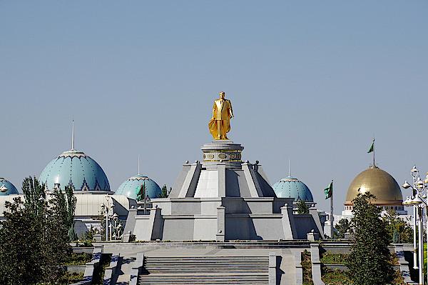 Turkmenistan-Aschgabat-Turkmenbashi-Denkmal