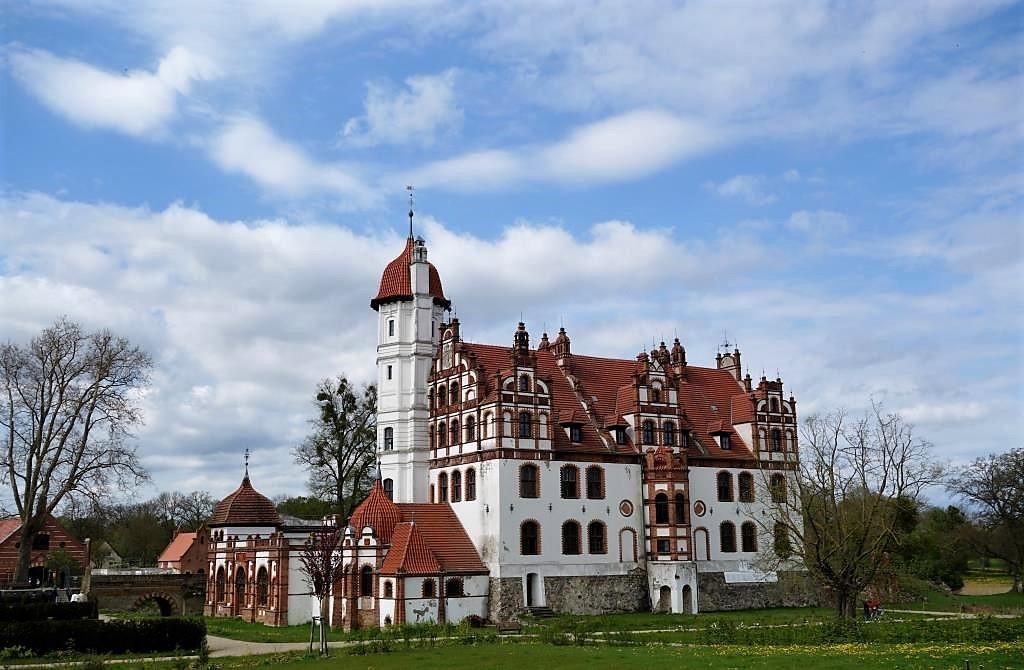 Schloss-in-Basedow-Mecklenburg-Vorpommern