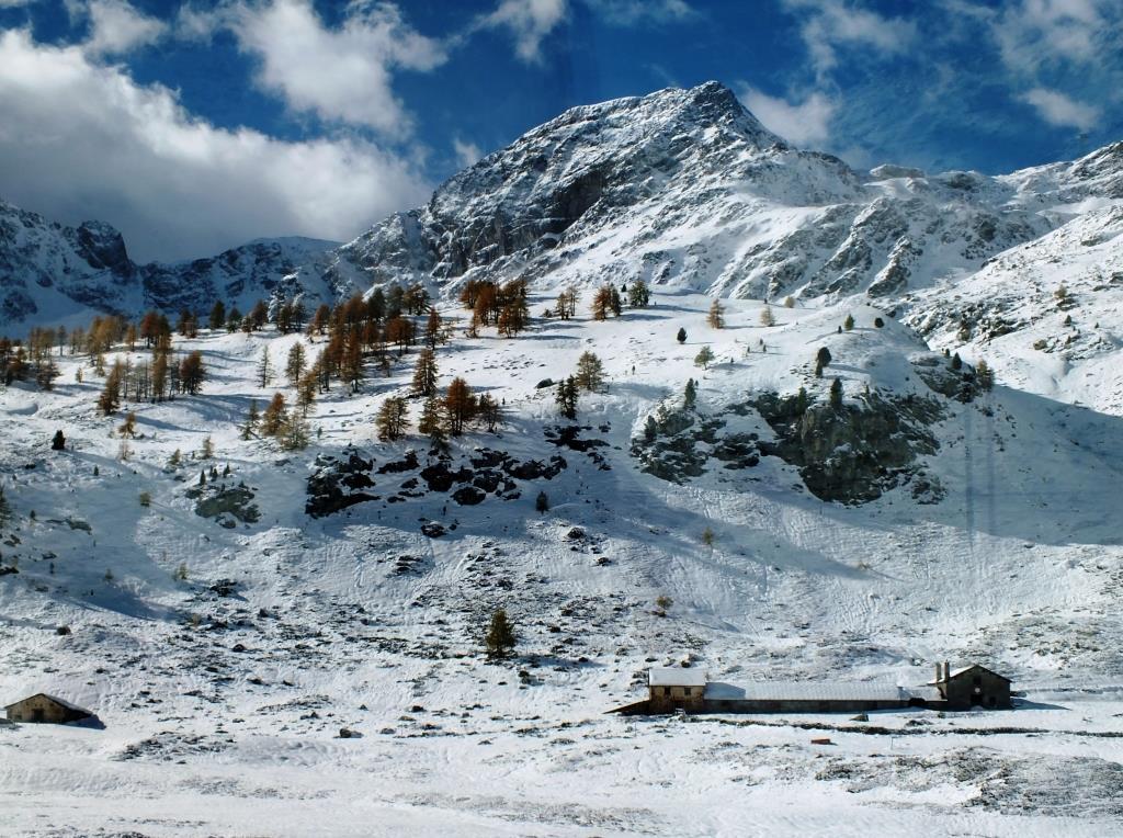 Unterwegs-mit-dem-Bernina-Express-Schweiz