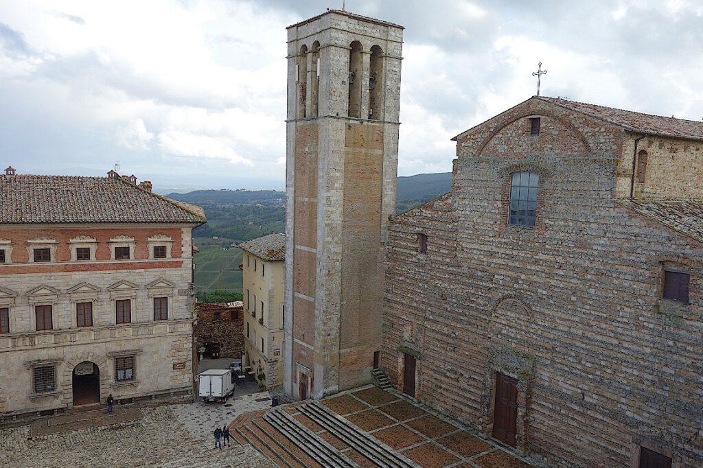 Kathedrale-von-Montepulciano-in-der-Toskana