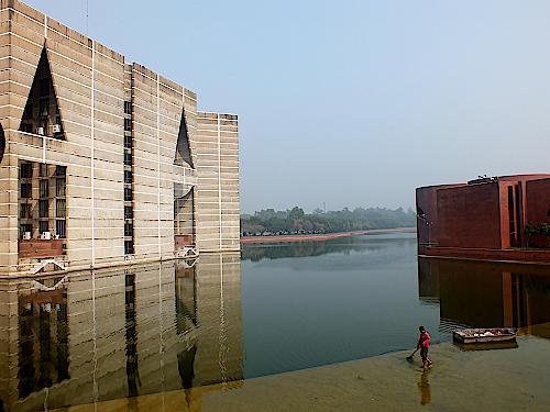 Parlament-in-Dhaka-Bangladesch