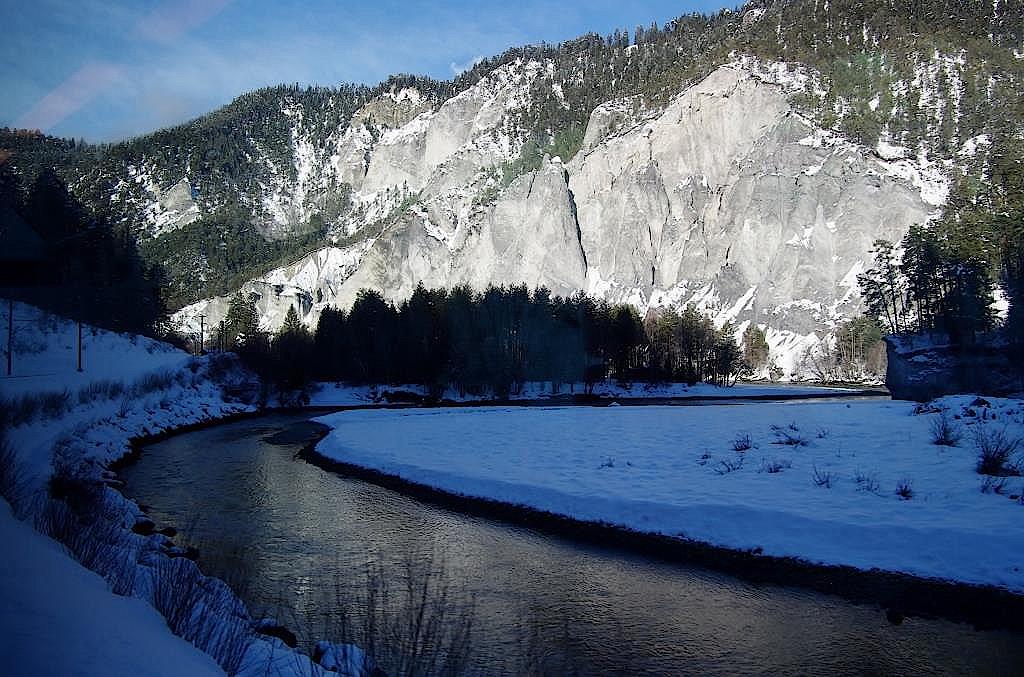 Unterwegs-im-Glacier-Express-Schweiz