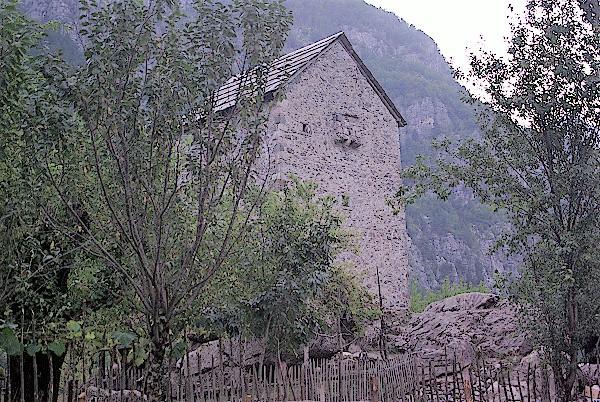 Kulla-Tal-von-Theth-Albanien