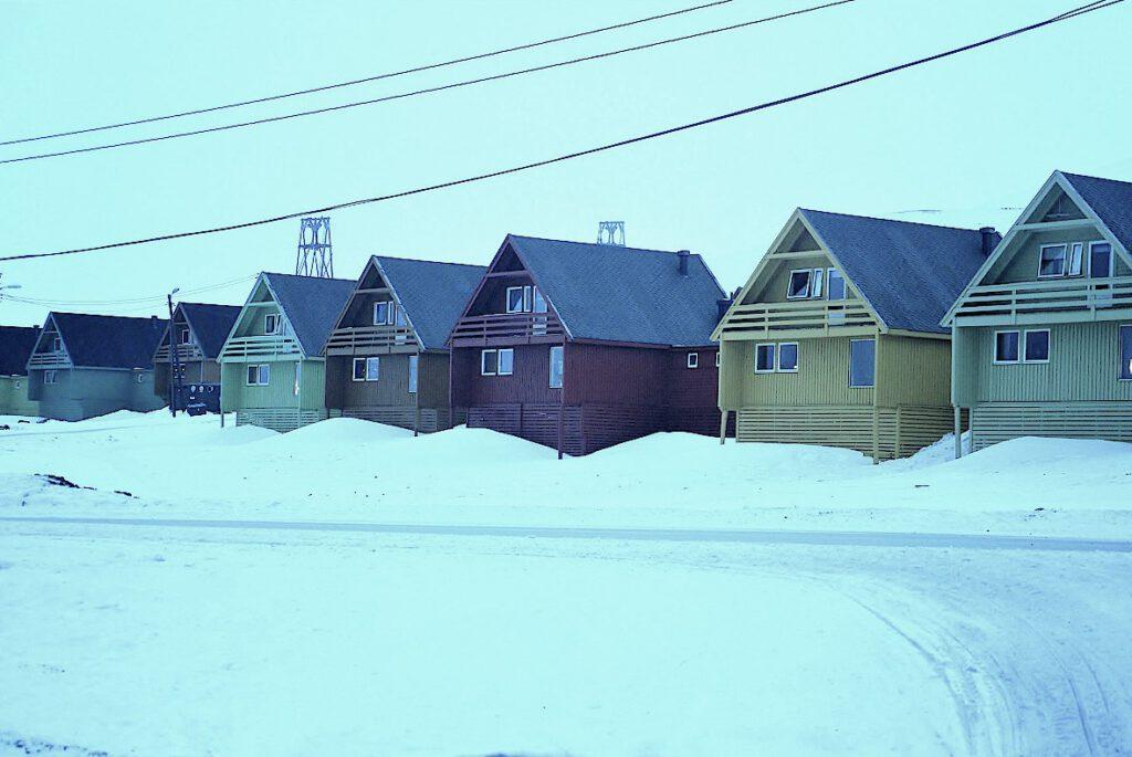 Wohnhaeuser-in-Longyearbyen