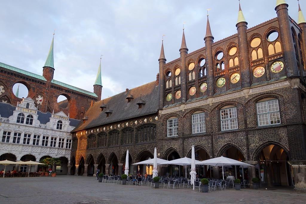 Rathaus-in-Luebeck-in-Schleswig-Holstein
