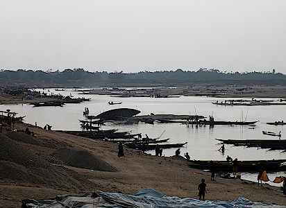 Mari-River-in-Bangladesch