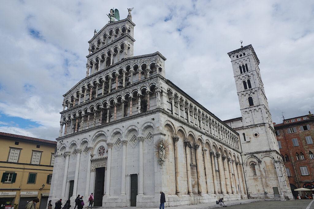 San-Michele-in-Foro-in-Lucca-in-der-Toskana