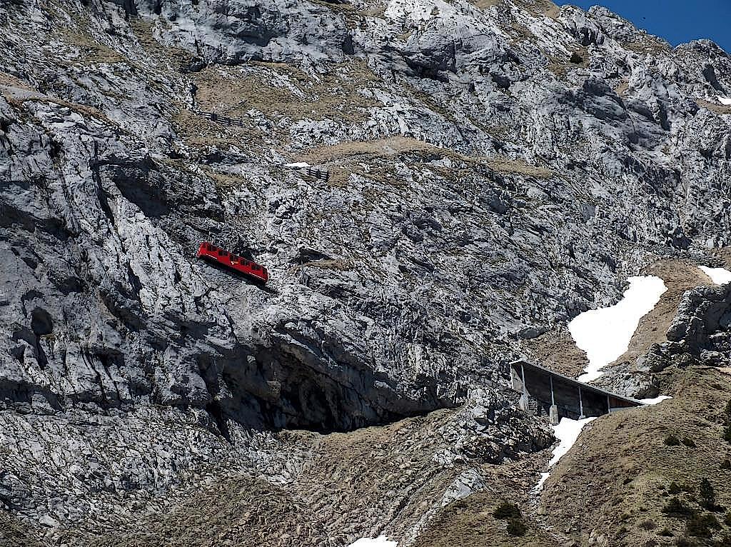 Steilste-Zahnradbahn-der-Welt-Schweiz