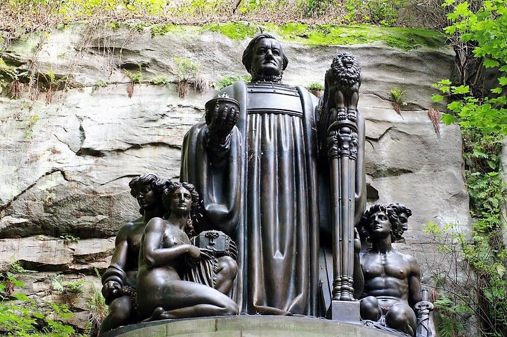 Wagner-Denkmal-am-Malerweg