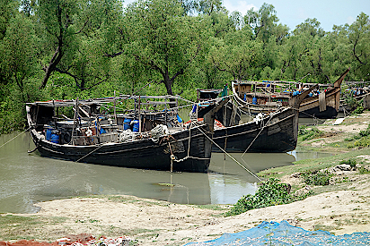 Fischerboote-auf-der-Bangladeschreise