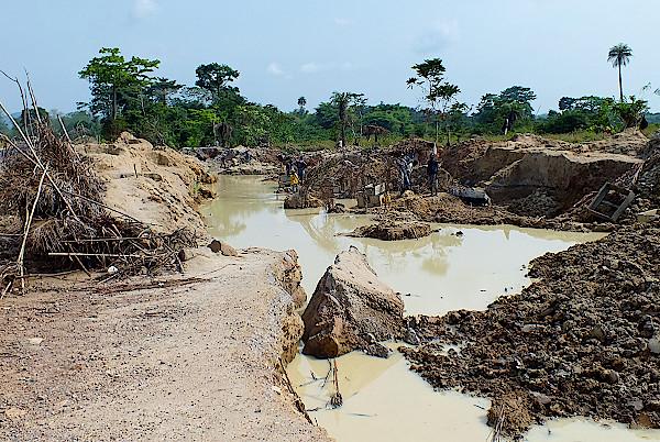 Mine-bei-Kenema-in-Sierra-Leone