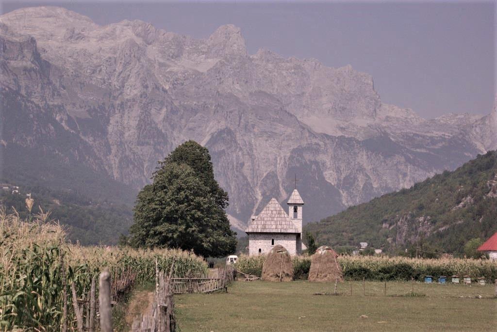 Kirche-Tal-von-Theth-Albanien