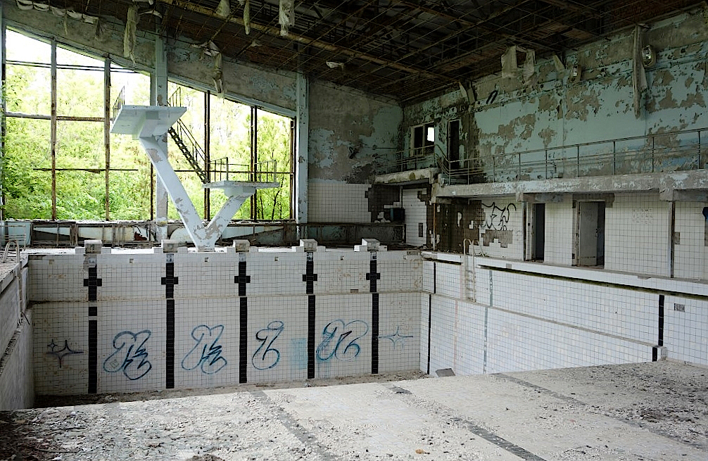 Schwimmbad-in-Prypjat-in-Tschernobyl