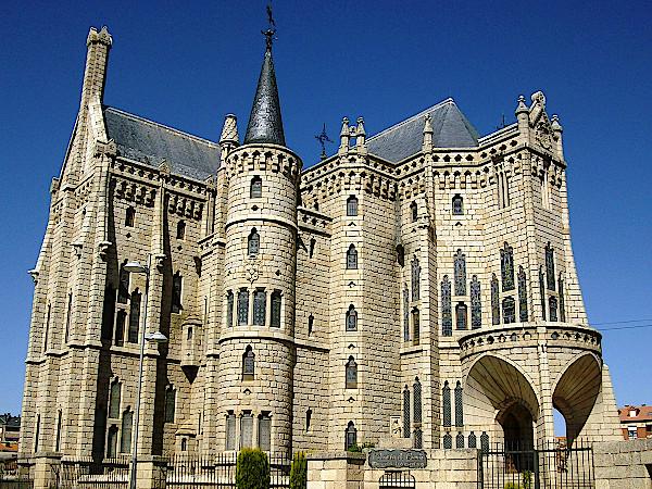Gaudi-Museum-in-Astorga