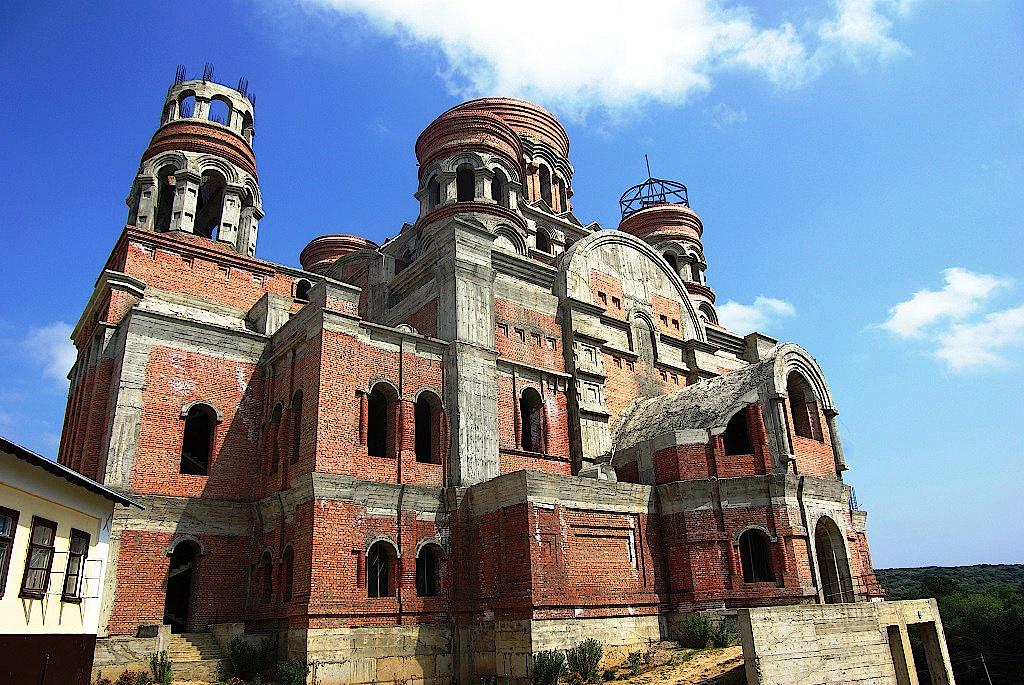 Orthodoxe-Kirche-am-Kloster-Hincu
