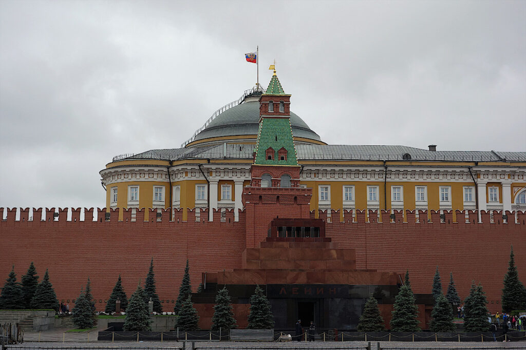 Lenin-Mausoleum-in-Russland