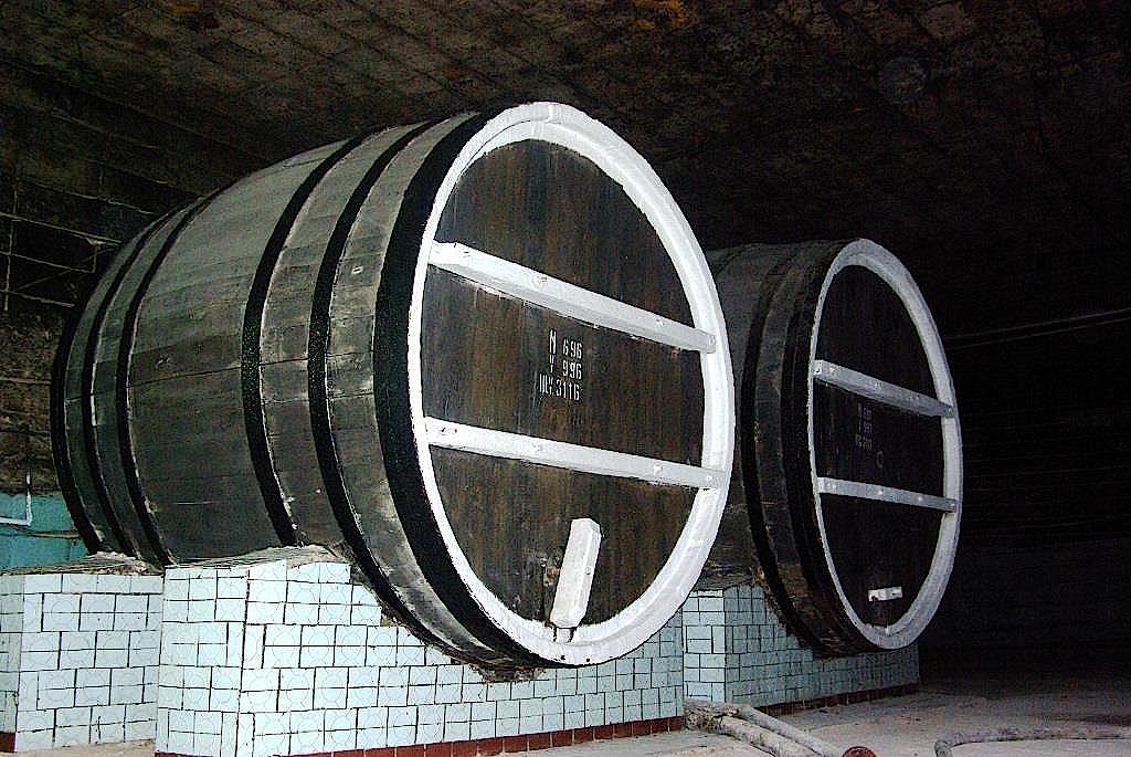 Weinfass-in-der-Strasse-Cabernet