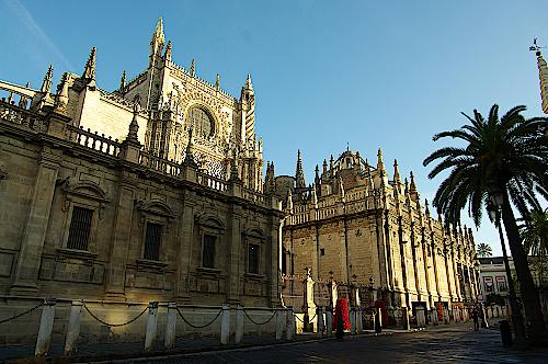 Kathedrale-in-Sevilla-Suedspanien