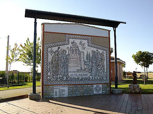 Mosaik-am-Ortseingang-von-Villar-de-Mazarif