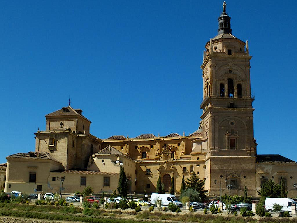 Kathedrale-von-Guadix-in-Andalusien
